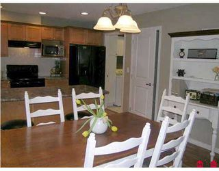 """Photo 3: 17097 64TH Ave in Surrey: Cloverdale BC Townhouse for sale in """"The Kentucky"""" (Cloverdale)  : MLS®# F2704470"""