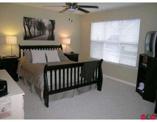 """Photo 5: 17097 64TH Ave in Surrey: Cloverdale BC Townhouse for sale in """"The Kentucky"""" (Cloverdale)  : MLS®# F2704470"""