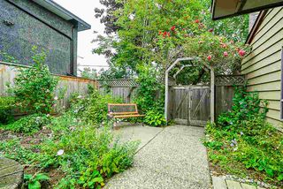 Photo 17: 15624 18 Avenue in Surrey: King George Corridor Townhouse for sale (South Surrey White Rock)  : MLS®# R2393800