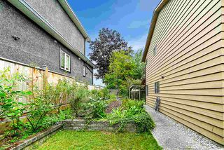 Photo 18: 15624 18 Avenue in Surrey: King George Corridor Townhouse for sale (South Surrey White Rock)  : MLS®# R2393800