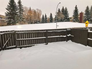 Photo 8: 920 LAKEWOOD Road N in Edmonton: Zone 29 Townhouse for sale : MLS®# E4179664