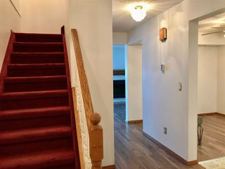 Photo 9: 920 LAKEWOOD Road N in Edmonton: Zone 29 Townhouse for sale : MLS®# E4179664