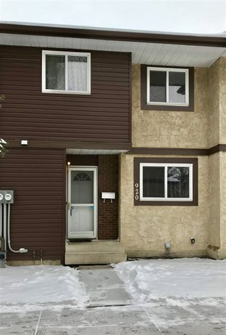 Photo 1: 920 LAKEWOOD Road N in Edmonton: Zone 29 Townhouse for sale : MLS®# E4179664