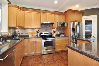 "Photo 5: 410 TRINITY Street in Coquitlam: Central Coquitlam House for sale in ""Dartmoor/River Heights"" : MLS®# R2421890"