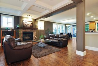 "Photo 2: 410 TRINITY Street in Coquitlam: Central Coquitlam House for sale in ""Dartmoor/River Heights"" : MLS®# R2421890"
