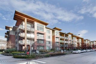 """Photo 1: 315 3133 RIVERWALK Avenue in Vancouver: South Marine Condo for sale in """"NEW WATER"""" (Vancouver East)  : MLS®# R2427108"""