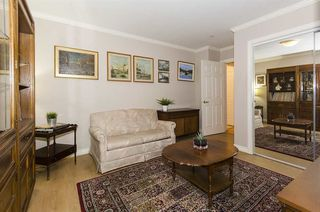 """Photo 16: 306 1010 W 42ND Avenue in Vancouver: South Granville Condo for sale in """"OAK GARDENS"""" (Vancouver West)  : MLS®# R2428648"""