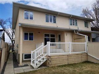 Photo 2: 531 55 Avenue SW in Calgary: Windsor Park Semi Detached for sale : MLS®# C4289517