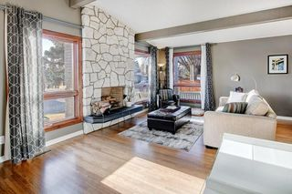 Photo 6: 5735 LADBROOKE DR SW in Calgary: Lakeview House for sale : MLS®# C4273443