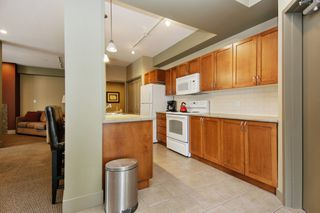 "Photo 15: 205 33328 E BOURQUIN Crescent in Abbotsford: Central Abbotsford Condo for sale in ""Natures Gate"" : MLS®# R2481691"