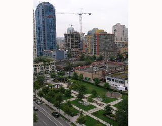 """Photo 5: 1207 488 HELMCKEN Street in Vancouver: Downtown VW Condo for sale in """"ROBINSON TOWER"""" (Vancouver West)  : MLS®# V640232"""