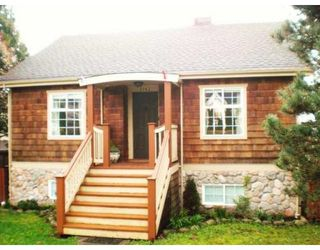 Photo 1: 2142 8TH AV in New Westminster: Connaught Heights House for sale : MLS®# V815870