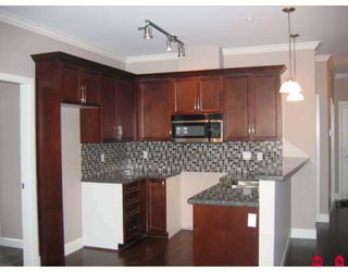 Main Photo: 106 - 15268 18th Ave in Surrey: King George Corridor Condo for sale (South Surrey White Rock)  : MLS®# F2900245