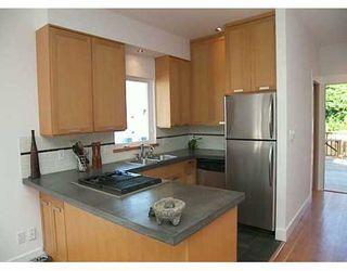 Photo 5: 719 E 28TH AV in Vancouver: Fraser VE House for sale (Vancouver East)  : MLS®# V609475