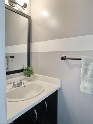 Photo 7: 31 30 CLARENDON Crescent in London: South P Residential for sale (South)  : MLS®# 219743