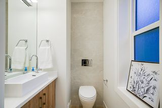 Photo 18: 1930 E 8TH Avenue in Vancouver: Grandview Woodland House 1/2 Duplex for sale (Vancouver East)  : MLS®# R2433203