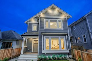 Photo 1: 1930 E 8TH Avenue in Vancouver: Grandview Woodland House 1/2 Duplex for sale (Vancouver East)  : MLS®# R2433203