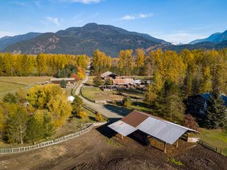 Photo 2: 7294 CLOVER Road: Pemberton House for sale : MLS®# R2434797