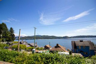 Photo 3: 811 MARINE Drive in Gibsons: Gibsons & Area House for sale (Sunshine Coast)  : MLS®# R2456433