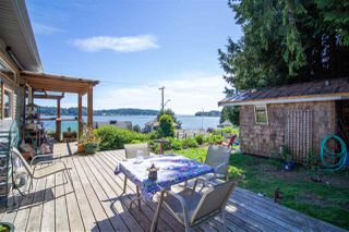 Photo 2: 811 MARINE Drive in Gibsons: Gibsons & Area House for sale (Sunshine Coast)  : MLS®# R2456433