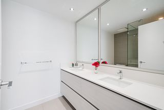 """Photo 20: 1807 6098 STATION Street in Burnaby: Metrotown Condo for sale in """"Station Square 2"""" (Burnaby South)  : MLS®# R2475417"""