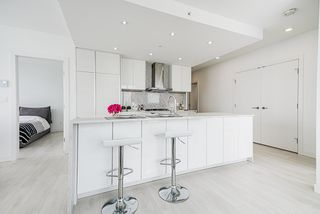 """Photo 9: 1807 6098 STATION Street in Burnaby: Metrotown Condo for sale in """"Station Square 2"""" (Burnaby South)  : MLS®# R2475417"""