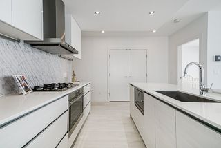 """Photo 14: 1807 6098 STATION Street in Burnaby: Metrotown Condo for sale in """"Station Square 2"""" (Burnaby South)  : MLS®# R2475417"""