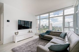 """Photo 7: 1807 6098 STATION Street in Burnaby: Metrotown Condo for sale in """"Station Square 2"""" (Burnaby South)  : MLS®# R2475417"""