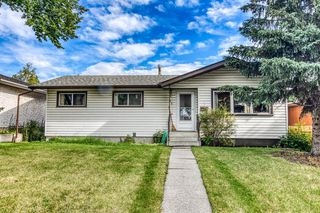 Main Photo: 71 ARMSTRONG Crescent SE in Calgary: Acadia Detached for sale : MLS®# A1019196