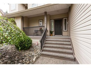 "Photo 3: 21058 85A Avenue in Langley: Walnut Grove House for sale in ""MANOR PARK"" : MLS®# R2493956"