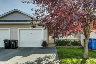 Photo 1: 11 16 Champion Road: Carstairs Row/Townhouse for sale : MLS®# A1031112