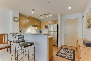 Photo 10: 208 400 KLAHANIE DRIVE in Port Moody: Port Moody Centre Condo for sale : MLS®# R2496375