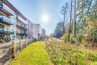 "Photo 4: PH6 12320 222 Street in Maple Ridge: East Central Condo for sale in ""The 222 Phase 2"" : MLS®# R2507520"