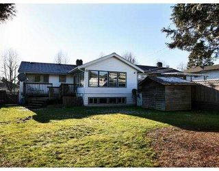 Photo 10: 3749 NITHSDALE Street in Burnaby: Burnaby Hospital House for sale (Burnaby South)  : MLS®# V684900
