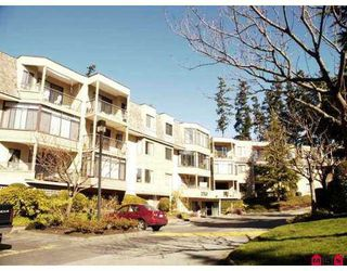 """Photo 1: 204 1760 SOUTHMERE Crescent in White_Rock: Sunnyside Park Surrey Condo for sale in """"Capstan Way"""" (South Surrey White Rock)  : MLS®# F2802738"""