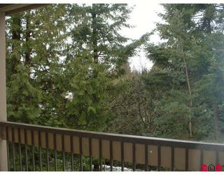 """Photo 3: 204 1760 SOUTHMERE Crescent in White_Rock: Sunnyside Park Surrey Condo for sale in """"Capstan Way"""" (South Surrey White Rock)  : MLS®# F2802738"""