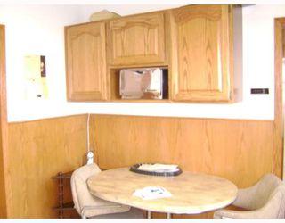 Photo 3: 351 CHALMERS Avenue in WINNIPEG: East Kildonan Residential for sale (North East Winnipeg)  : MLS®# 2801825