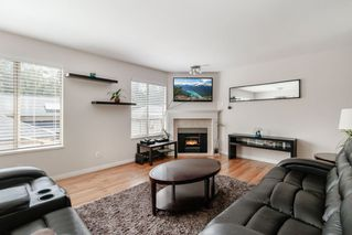 """Photo 4: 16 21960 RIVER Road in Maple Ridge: West Central Townhouse for sale in """"FOXBOROUGH HILLS"""" : MLS®# R2397339"""