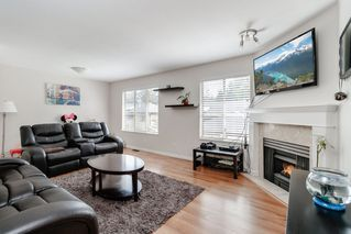 """Photo 3: 16 21960 RIVER Road in Maple Ridge: West Central Townhouse for sale in """"FOXBOROUGH HILLS"""" : MLS®# R2397339"""