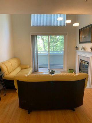 Photo 2: 404 12155 75A AVENUE in Surrey: West Newton Condo for sale : MLS®# R2393850