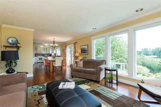 Photo 5: 3658 ARGYLL STREET in Surrey: Central Abbotsford House for sale (Abbotsford)  : MLS®# R2393719