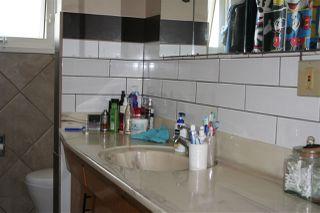 Photo 3: 7407 80 AV in Edmonton: Zone 17 House Half Duplex for sale : MLS®# E4170461