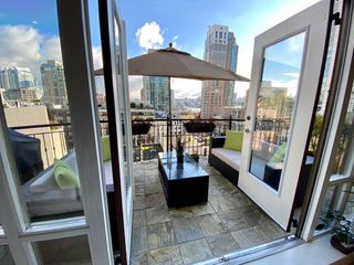 "Photo 4: 901 1280 RICHARDS Street in Vancouver: Yaletown Condo for sale in ""GRACE RESIDENCES"" (Vancouver West)  : MLS®# R2440136"
