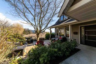 Photo 2: 1061 CHAMBERLAIN Drive in North Vancouver: Lynn Valley House for sale : MLS®# R2449836