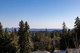 Photo 12: 1061 CHAMBERLAIN Drive in North Vancouver: Lynn Valley House for sale : MLS®# R2449836