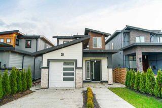 Photo 1: 15456 RUSSELL Avenue: White Rock House for sale (South Surrey White Rock)  : MLS®# R2471976