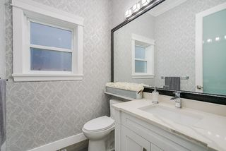 Photo 16: 15456 RUSSELL Avenue: White Rock House for sale (South Surrey White Rock)  : MLS®# R2471976