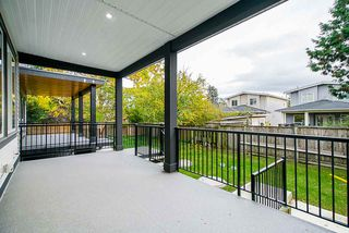 Photo 22: 15456 RUSSELL Avenue: White Rock House for sale (South Surrey White Rock)  : MLS®# R2471976
