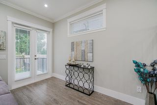 Photo 14: 15456 RUSSELL Avenue: White Rock House for sale (South Surrey White Rock)  : MLS®# R2471976