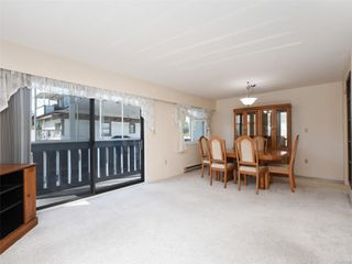 Photo 3: 303 1021 Collinson St in : Vi Fairfield West Condo for sale (Victoria)  : MLS®# 853542